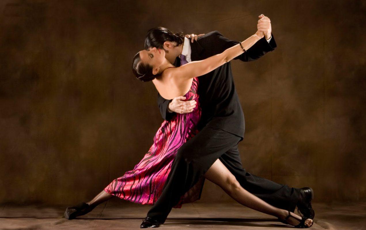 Hai bước Two Walks trong Tango