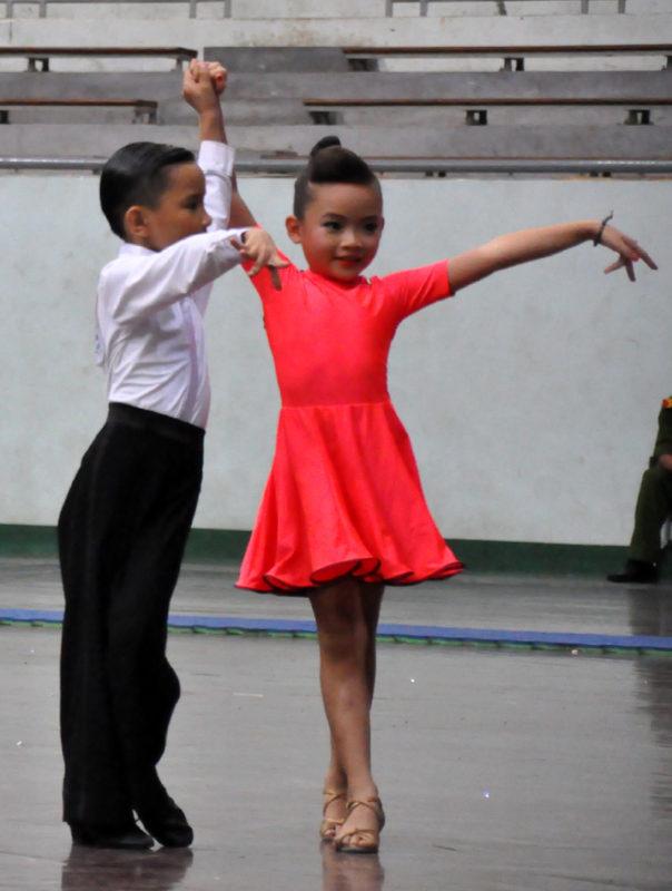 Có nên cho trẻ học khiêu vũ từ nhỏ