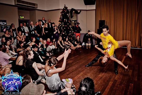 Ưu đãi giảm 20% giày khiêu vũ SHOP BƠ khi đăng ký học Salsa – Bachata tại sàn Bến Thành