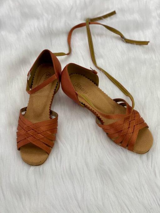 Giày khiêu vũ trẻ em ET007